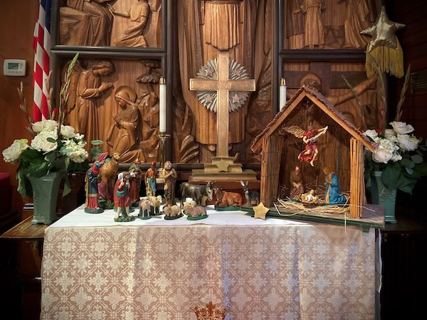 Christmas Services at St. Mary's by-the-sea Pacific Grove, creche - 2019