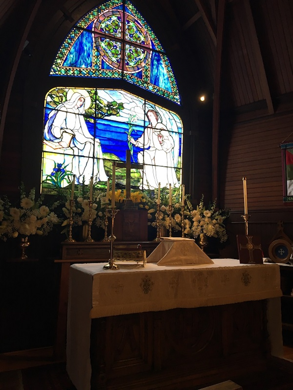 We celebrated our second Easter Sunday via Zoom. This year we featured opening and closing hymn videos, a moving piece by St. Mary's Virtual Choir, as well as a wonderful organ prelude and postlude. It was great to see over 70 smiling, joyful faces.